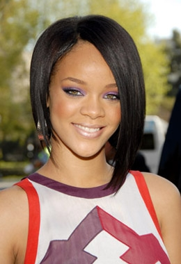 Coiffure femme Rihanna Coiffure carré plongeant