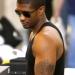 Usher cheveux trés court